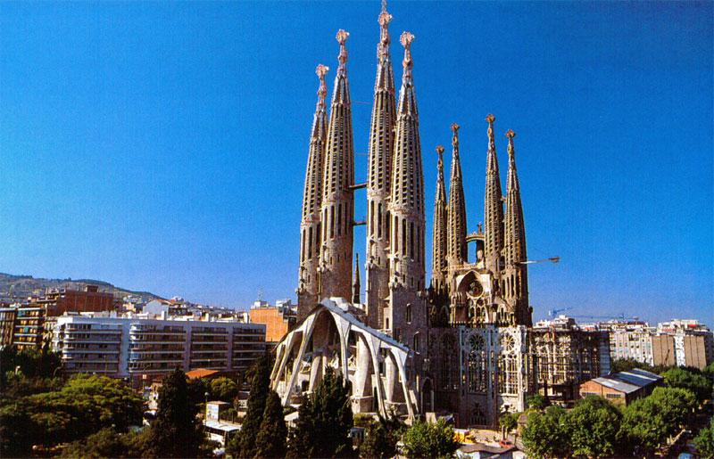 Некоторые испанские города могут похвастать весьма причудливой архитектурой
