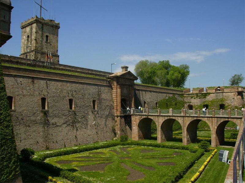 Монжуикская крепость дала название двум известным средневековым сражениям
