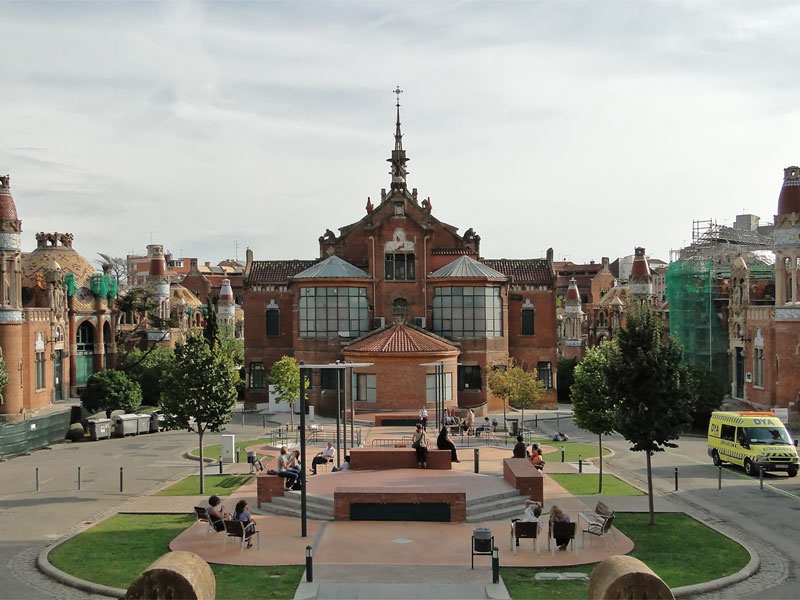 Бывший больничный комплекс используется как культурный центр и музей при ООН