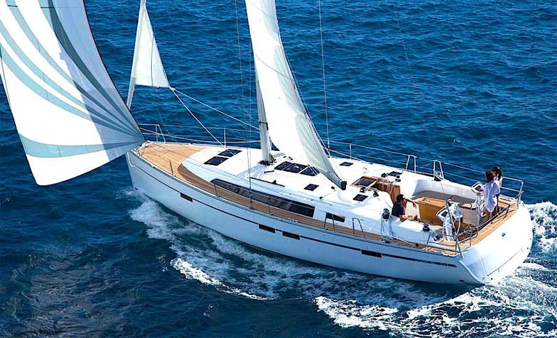 Отдых на яхте наполнен ощущениями морской романтики